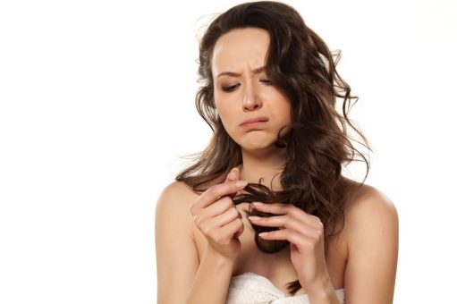 Dandruff? Check Top Home Remedies To Get Rid of It