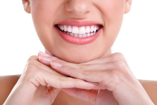 Tips to Naturally Whiten Your Teeth